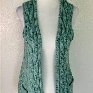 Chunky cable knit vest
